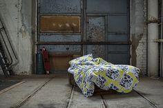 ZZZZ collection - Tikru duvet cover set in yellow || ZZZZ-malliston Tikru-pussilakanasetti keltaisena
