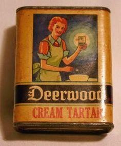 Vintage Deerwood Cream Tartar 2oz. Spice Tin. ©1934 Vintage Oil Cans, Vintage Tins, Vintage Metal, Vintage Antiques, Antique Kitchen Decor, Vintage Kitchen, Retro Ads, Vintage Advertisements, Spice Tins
