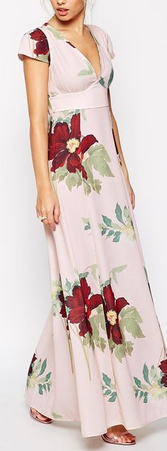 I love the style of this maxi dress-especially the sleeves and the waistline
