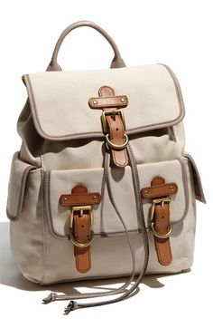 said it before, and i'll say it again- currently obsessed with backpacks! love the leather and tan