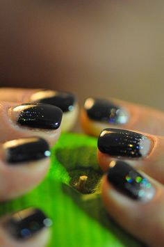 black and white moon manicure - I think this is going to be my next DIY mani adventure.