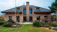 Obrázok bol nájdený na Googli vdoméne domztehly.sk Pergola, Outdoor Structures, Patio, Mansions, House Styles, Outdoor Decor, Plants, Home Decor, Luxury