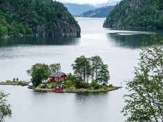 I want to live right here. Lovrafjorden, Norway (by Silvain de Munck)