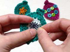 How to Crochet Cute Christmas Ornaments - CraftStylish