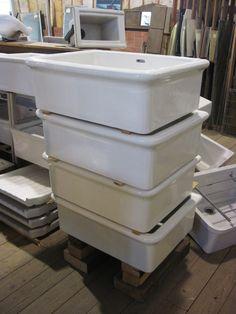 Meer dan 1000 idee n over oude gootsteen op pinterest buiten spoelbakken wastafels en bankjes - Oude keuken wastafel ...