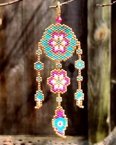 Miyuki Delica pattern, dream catcher, seed beads dream catcher, peyote stitch - Picture World Peyote Stitch Patterns, Seed Bead Patterns, Peyote Beading Patterns, Bead Embroidery Jewelry, Beaded Embroidery, Embroidery Patterns, Seed Bead Jewelry, Seed Beads, Beadwork Designs