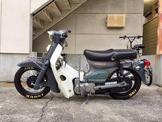 カブカスタム Moped Scooter, Trike Motorcycle, Moto Bike, C90 Honda, Honda Cub, Honda Bikes, Honda Motorcycles, Custom Moped, Custom Bikes