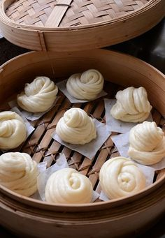 how to make chinese steamed buns baozi steamed buns with chicken