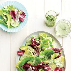 Une salade bien craquante qu'on arrose d'un délicieux pesto au basilic.