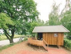 Een kabbelend Overijssels riviertje, veranda met hangmat en slapen in een luxe cottage. Klinkt idyllisch. En dat allemaal in ons eigen land.