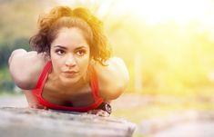Zeigt her euren Bizeps! Wie sieht's bei euch aus? Habt ihr schon ein paar Muskeln oder kommen die folgenden Übungen für die Oberarme wie gerufen...