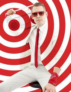Target's logo is elegantly simple. One dot. One ring. We created a brand campaign that actively deconstructs this iconic graphic identity. Instead of a static symbol, it becomes a rhythmic pattern, and a playful player in the choreography of life. Target, Cannes Lions, Dragon Rouge, Rhythmic Pattern, Brand Campaign, Communication Art, Vintage Fisher Price, Photoshop, Design Graphique
