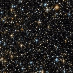 """357.6 mil curtidas, 1,592 comentários - NASA (@nasa) no Instagram: """"While this lovely image contains hundreds of distant stars and galaxies, one vital thing is missing…"""""""