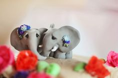 elephant cake decoration for GABBIES wedding Elephant Cake Toppers, Elephant Cakes, Elephant Food, Pretty Cakes, Beautiful Cakes, Amazing Cakes, Lgbt Wedding, Wedding Cakes, Funny Wedding Cake Toppers