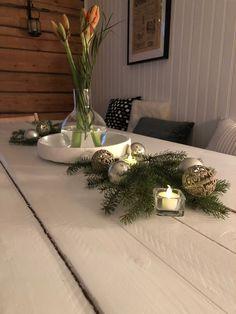 Amaryllis ideas, Christmas flower ideas, Dining table Christmas decoration, Dining room Christmas decoration, joulusisustus