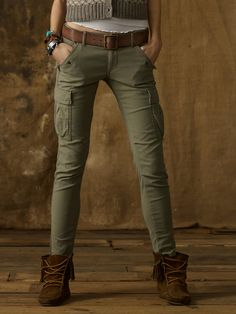 Ralph Lauren Denim & Supply Skinny Cargo Pants Size 24 but on the smaller side. In perfect condition and super comfy and flattering Ralph Lauren Pants Skinny Cargo Pants Outfit, Skinny Cargo Pants, Green Cargo Pants, Cargo Pants Women, Pants For Women, Jeans Women, Skinny Jeans, Mode Outfits, Casual Outfits