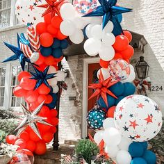 Fourth Of July Decor, 4th Of July Celebration, 4th Of July Decorations, 4th Of July Party, Balloon Decorations, July 4th, 4th Of July Wreath, Balloon Ideas, Birthday Decorations
