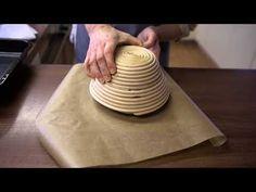 Pečieme z kvásku, časť 5.: Pečenie chleba - YouTube Plastic Cutting Board, Catering, Youtube, Breads, Food, Diets, Meal, Essen, Braid Out