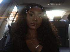 Utmerket produkt OAMC menn Howl T-Skjorter Pretty Black Girls, Beautiful Black Girl, Dark Skin Beauty, Hair Beauty, Black Beauty, Afro, Brown Skin Girls, Bonnie Wright, Black Girl Aesthetic