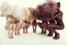 Louboutin lançou novos modelos de sapatos nudes. Os sete tons combinam com a pele de mulheres de praticamente todas as etnias.