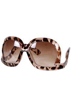 Shop Oversized Square Leopard Sunglasses at ROMWE, discover more fashion styles online. Leopard Animal, Cheetah, Leopard Fashion, Jungle Print, Summer Sunglasses, Latest Street Fashion, Summer Essentials, Fashion Prints, Women's Fashion