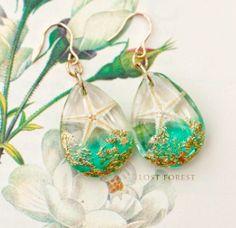Resin Jewelry, Jewellery, Christmas Bulbs, Jewelry Making, Drop Earrings, Holiday Decor, Unique, Beautiful, Flower