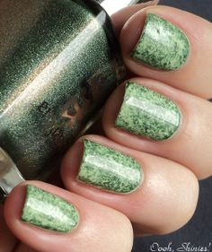 """[tutorial] Mossy green with cling wrap: """"Just apply a basecolor and wait till it's fully dry, make some balls of cling wrap, apply another color and start dabbing with a wrapball while the polish is still wet. Top coat and done!"""""""