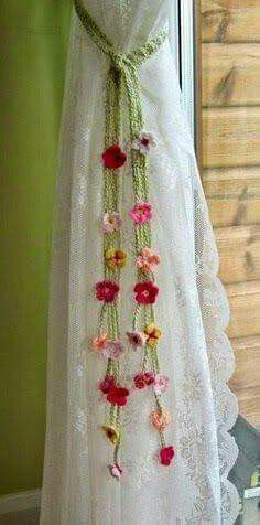 20 Trendy ideas for crochet heart garland girl rooms Crochet Curtains, Crochet Doilies, Crochet Flowers, Crochet Pattern Free, Cactus Wall Art, Cactus Print, Garden Ideas With Plastic Bottles, Knitting Projects, Knitting Patterns