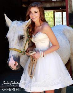 PHOTOS Duck Dynasty's Sadie Robertson modeling Live Original prom ...