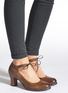 Neosens Baladi S278 (Marrón) - Zapatos de tacón chez Sarenza (241629) Clogs, Oxford Shoes, Women, Fashion, Brand Name Shoes, Low Boots, Feminine, Moda, Fashion Styles