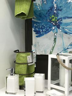 #greenery #vert #decoration #homedesign #interior #designinterior #bathroom http://www.beaulieudecor.com