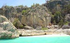 Resultado de imagen para imagenes de bahia de las aguilas en republica dominicana