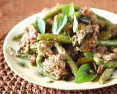Stir fried pork with beans and green peppercorn