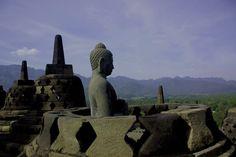 Monumen ini merupakan model alam semesta dan dibangun sebagai tempat suci untuk memuliakan Buddha sekaligus berfungsi sebagai tempat ziarah untuk menuntun umat manusia beralih dari alam nafsu duniawi menuju pencerahan dan kebijaksanaan sesuai ajaran Buddha