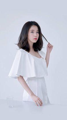 IU fashion magazine photoshoots Organic meat struggle to check out parlors currently, although i Iu Short Hair, Korean Short Hair, Korean Girl, Asian Girl, Korean Haircut, Iu Fashion, Korean Fashion, Fashion Outfits, Medium Hair Styles