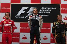 Fernando Alonso segundo, Pastor Maldonado, ganador, Kimi Raikkonen, tercero en el G.P. de España, quinta prueba del Mundial, en el circuito de Montmeló, el domingo 13 de mayo de 2012. Fuente: http://www.fernandoalonso.com/fernandoalonso/galeria/