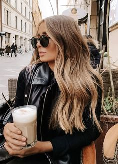 Brown Hair Balayage, Brown Blonde Hair, Hair Highlights, Brown Highlights, Dark Brunette, Light Brunette Hair, Dark Blonde Balayage, Honey Balayage, Brownish Blonde Hair Color
