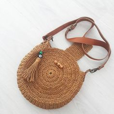Marvelous Crochet A Shell Stitch Purse Bag Ideas. Wonderful Crochet A Shell Stitch Purse Bag Ideas. Crochet Shell Stitch, Crochet Tote, Crochet Shoes, Crochet Handbags, Crochet Purses, Crochet Circles, Crochet Round, Best Leather Wallet, Crochet Shoulder Bags