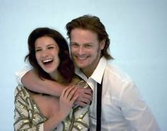 Sam @Heughan & @caitrionambalfe are all smiles during the #Outlander Photoshoot