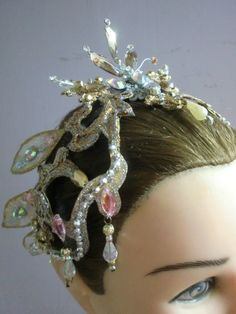 Gold and pink headpiece from Eliana Salles