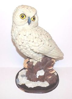 """Large Snowy Owl Perched on Tree Stump Mounted on Wooden Base Resin 12 1/2"""" Tall"""