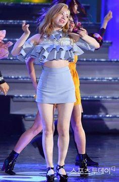 Dahyun Kpop Girl Groups, Korean Girl Groups, Kpop Girls, Twice Dahyun, Tzuyu Twice, Sana Minatozaki, Dance The Night Away, Korean Outfits, Korean Beauty