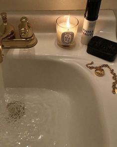 Running a bath for a simple yet effective self care idea for isolation days. Cream Aesthetic, Gold Aesthetic, Classy Aesthetic, Spring Aesthetic, Aesthetic Fashion, Kreative Portraits, Dream Life, Aesthetic Pictures, Self Care