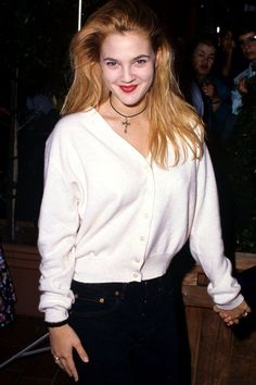 Pin for Later: 11 Celebrities Who Got Married When They Were Teenagers Drew Barrymore Fashion Guys, Hip Hop Fashion, Grunge Fashion, 90s Fashion, Fashion Black, Fashion Trends, Phoebe Buffay, Hip Hop Outfits, Rachel Green