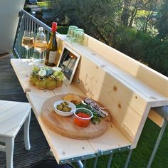 """70 best ideas for designing a mini-bar in an apartment with a balcony Especially if you want to be outside with more people at the same time. """"But,"""" thought Arjen Spijkerman and Daan Meijners, """"the problems a. Small Balcony Design, Small Balcony Decor, Balcony Ideas, Mini Bars, Balcony Railing, Apartment Balconies, Outdoor Furniture Sets, Outdoor Decor, Ikea Furniture"""