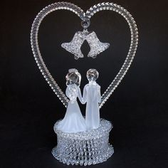 Bride and Groom Figurine Glass Wedding Cake от ProchaskaGallery