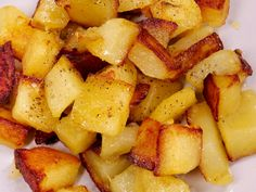 pomme de terre, huile, poivre, sel, curry Pause, Diy Food, Veggie Recipes, Panna Cotta, Brunch, Food And Drink, Appetizers, Potatoes, Vegan