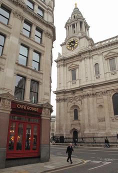 The red doors are nice Red Doors, Cafe Design, Notre Dame, Street View, Nice, Building, Travel, Cafeteria Design, Viajes