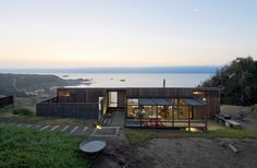 Yoga House. Location: Matanzas, Navidad, Libertador General Bernardo O'Higgins Region, Chile; firm: WMR Arquitectos; Photo: Sergio Pirrone; Year: 2011