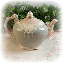 Dainty Lace Teapot
